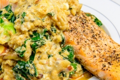 Curry salmon with kale, quinoa and rice