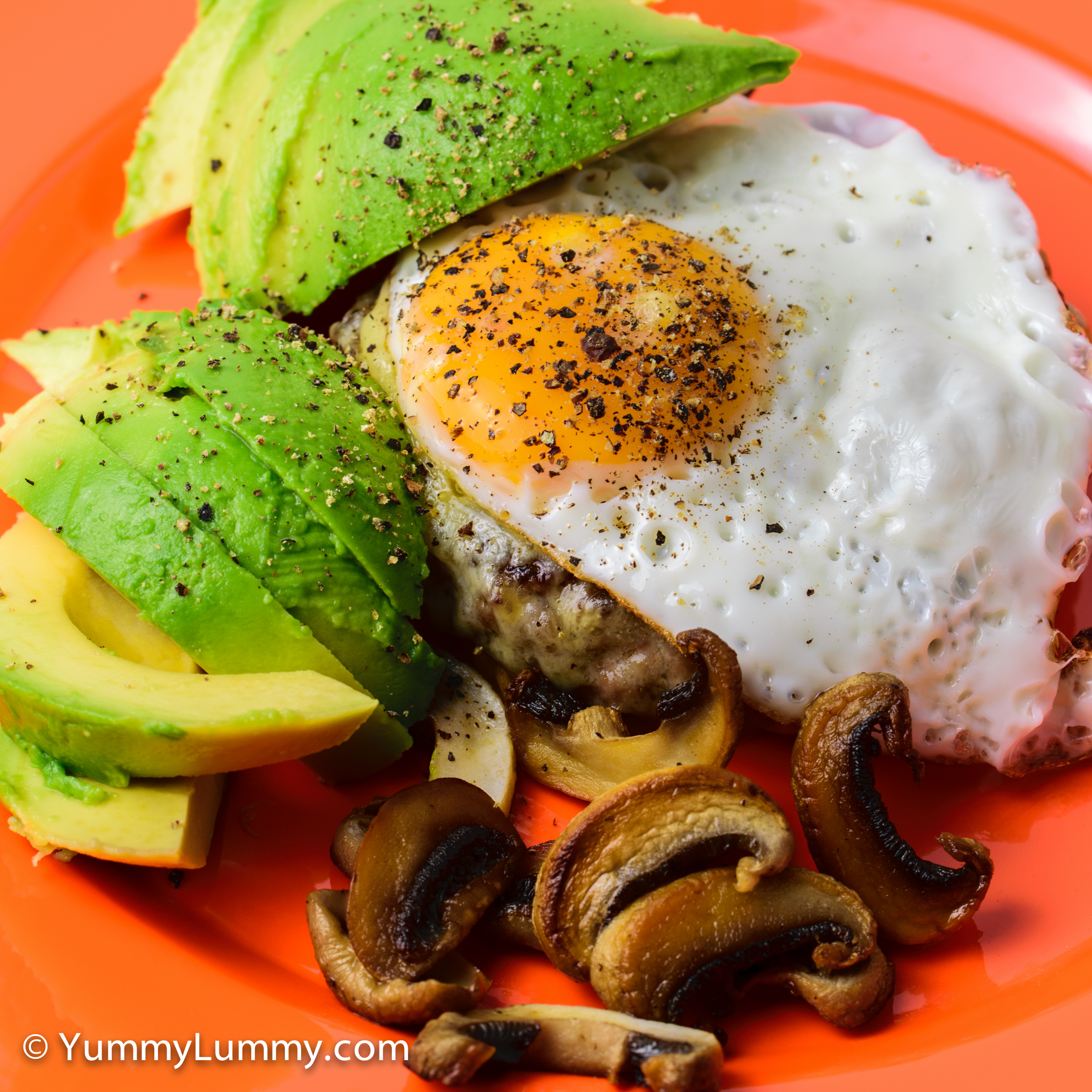 Good morning Monday. Nude burger with avocado, fried egg, mushrooms and tasty Coon cheese for breakfast