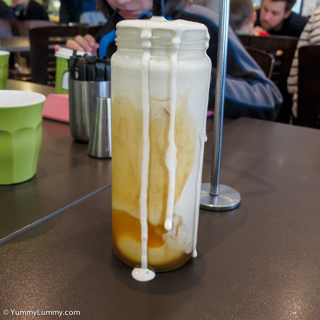 Caramel thick shake in a mason jar at Ricardo's Cafe for Saturday lunch.
