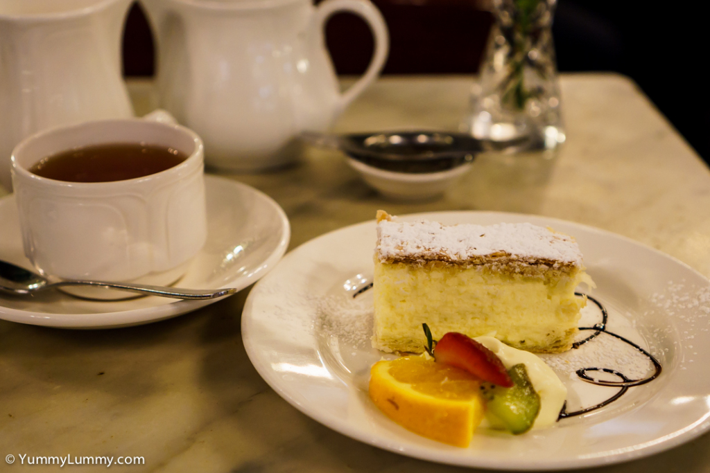 Hopetoun tea rooms afternoon tea Vanilla Slice and an Earl Grey tea