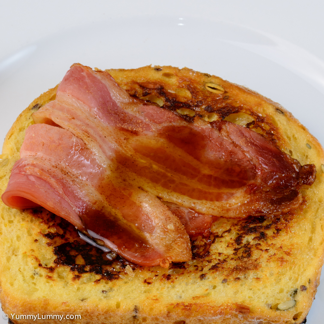 French toast with bacon and maple syrup. NIKON D7100 with 90.0 mm f/2.8 at 90mm and f/16, 1/40sec, ISO 400