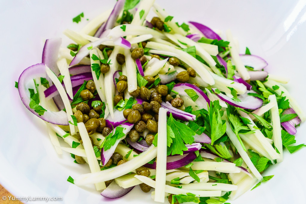 Fennel, red onion, parsley and capers