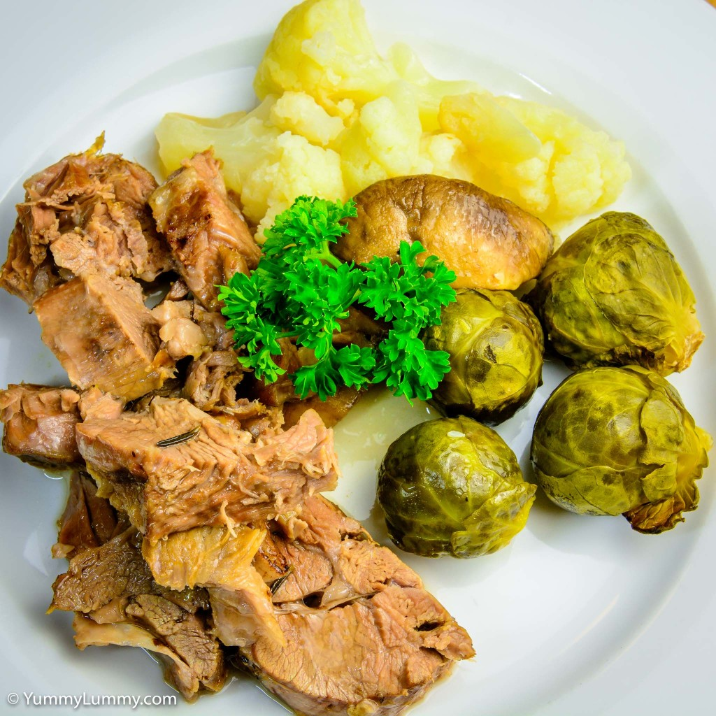 Roast lamb with cauliflower, Brussels sprouts and mushroom