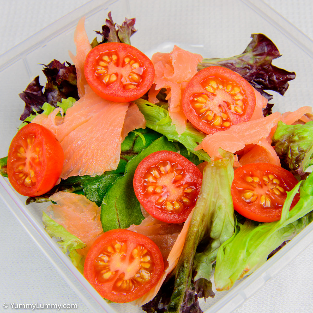 Smoked salmon and tomatoes for lunch