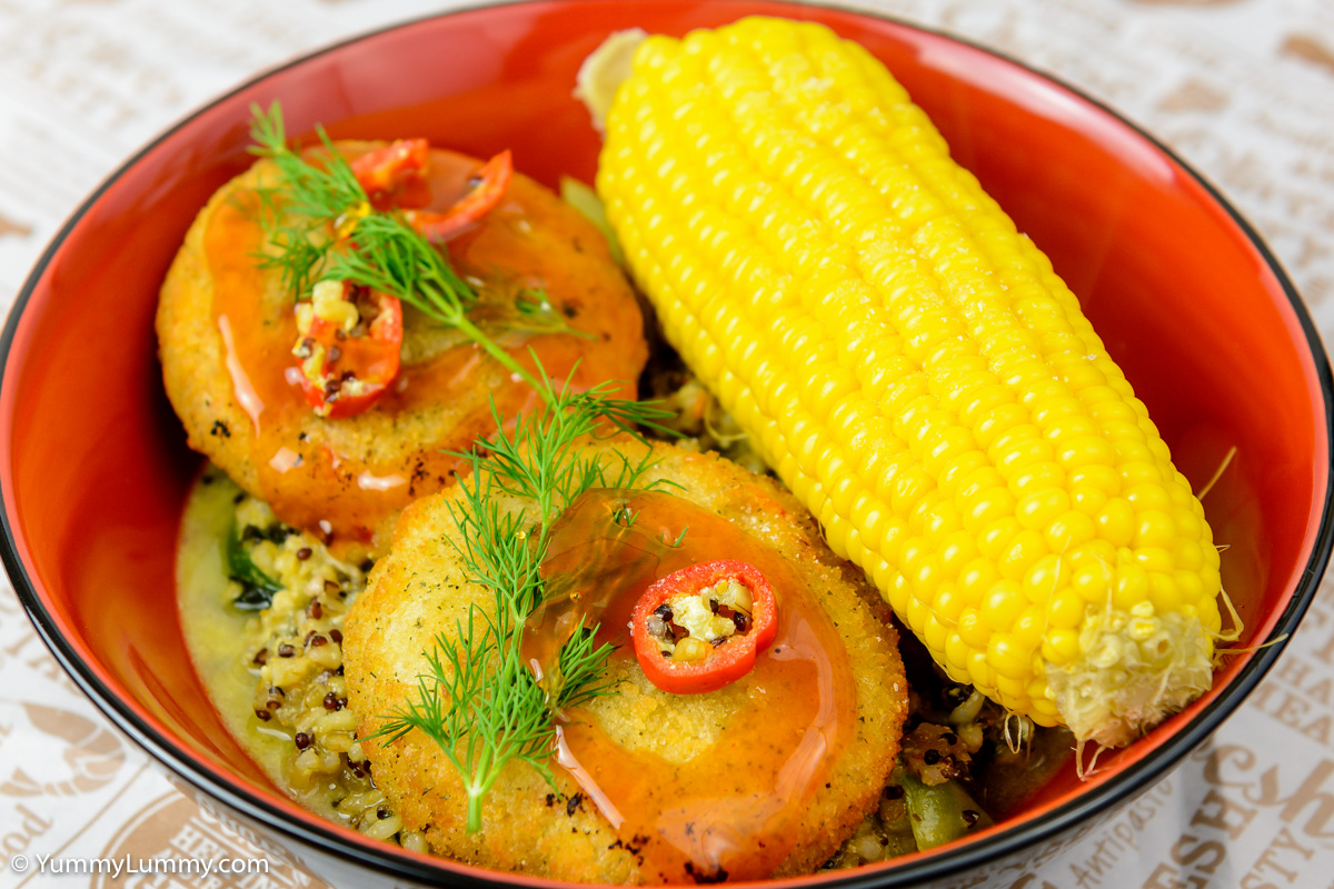 Thursday dinner. Salmon cakes with corn and rice with quinoa.