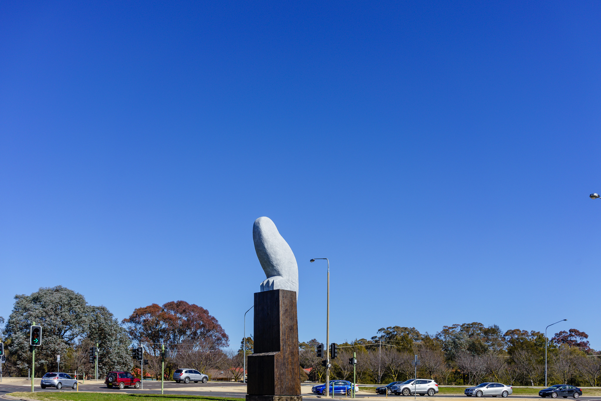 Owl statue T-juntion Belconnen Way and Benjamin Way