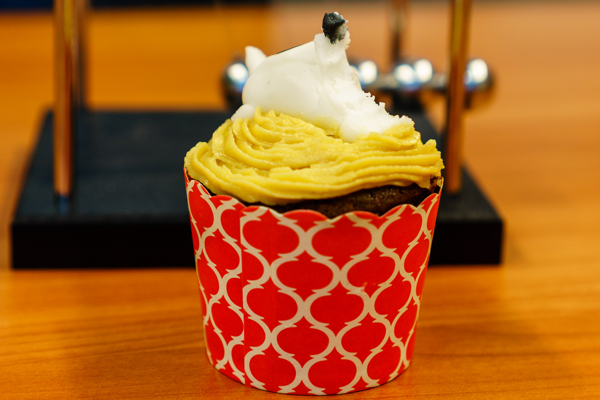 Monday morning tea. RSPCA cupcake sans canine head!