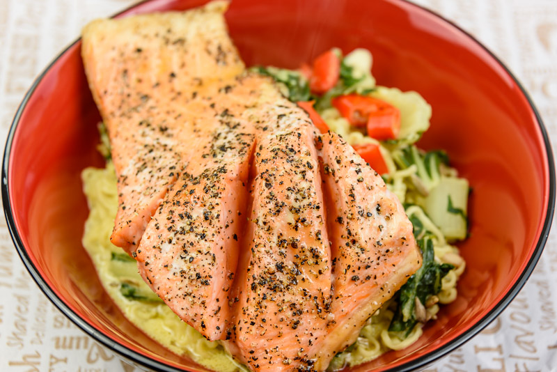 Monday dinner. Baked salmon and noodles with bok choi and red chili in low fat coconut milk.