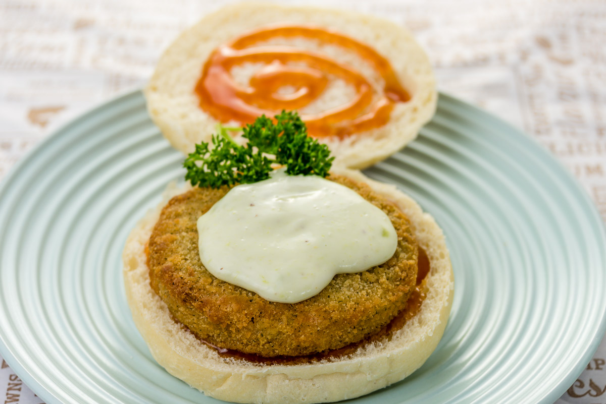 Monday lunch. Salmon burger with wasabi aioli