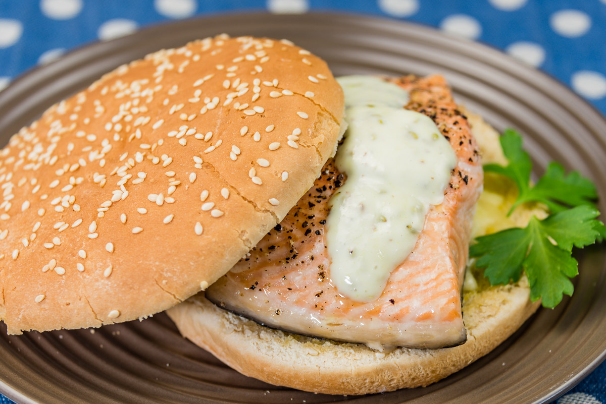 Salmon cheeseburger with wasabi aioli