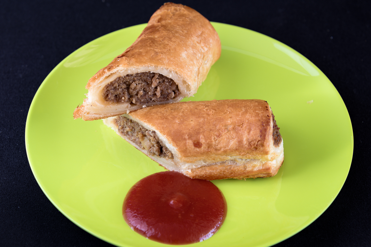 Garlo's Sausage roll with tomato sauce