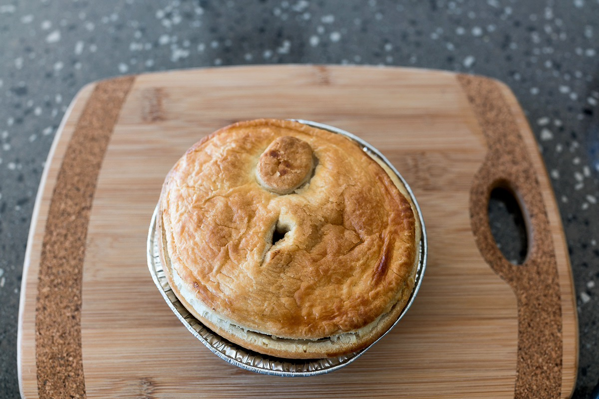 pie floater Beef and mushroom meat pie