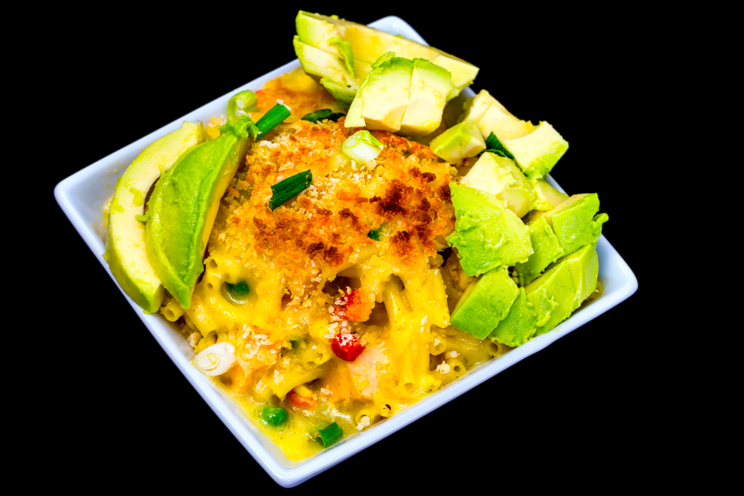 Salmon and macaroni cheese with avocado
