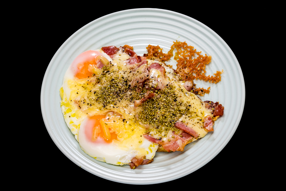 Streaky bacon, fried eggs and cheese #breakfast #yummylummy #foodporn #yummy #delicious #instafood #nikon Gary Lum