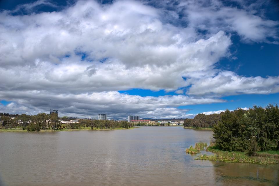 #CloudPorn over #LakeGinninderra #belconnen #canberra #cbr #visitcanberra #igerscanberra #australia #hdr #sonyalpha Gary Lum