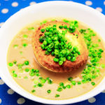 Herbert Adams Chicken and Leek Pie floater on mashed potato and gravy with semi-mushy peas Gary Lum