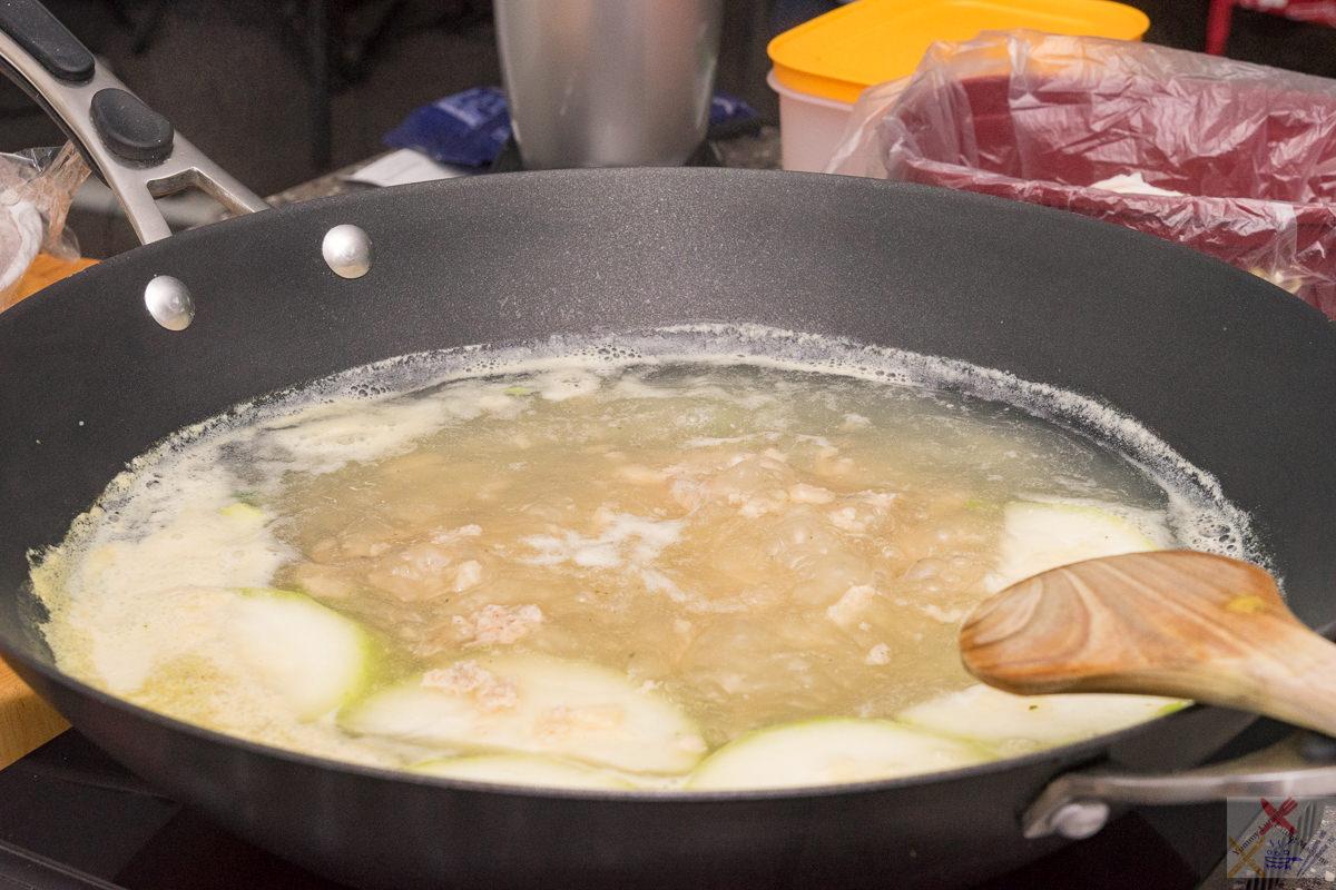 Cooking nude wonton and hairy melon Gary Lum